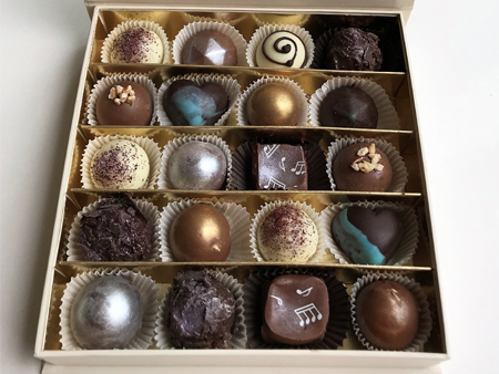 Box of 20 assorted chocolate truffles