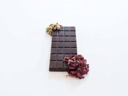 Rose and cardamom chocolate bar