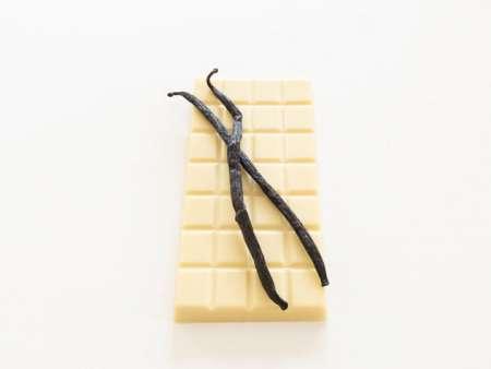 Vanilla bean chocolate bar